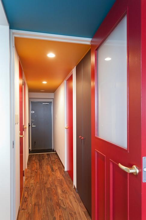 ドア色、天井をカスタマイズ