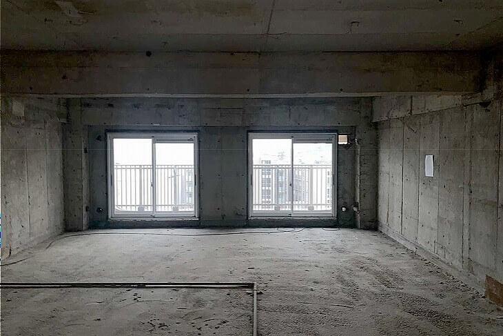 もともとあった壁や床をすべて剥がして「スケルトン状態」からのリノベーションがオススメ。古くなった配管を刷新すれば資産価値のアップにもつながる