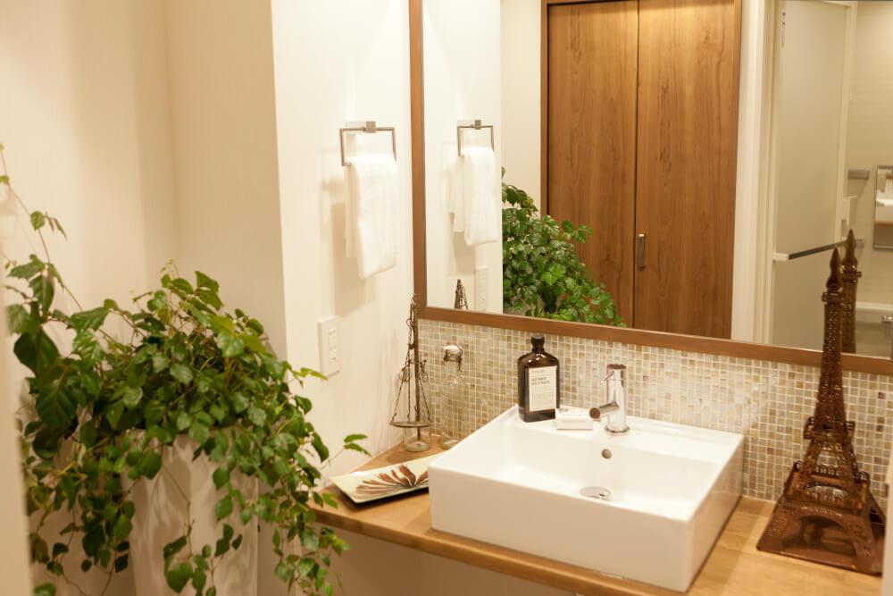 洗面所のリフォーム費用相場は?安く抑えるコツやタイミング、主なメーカーを紹介