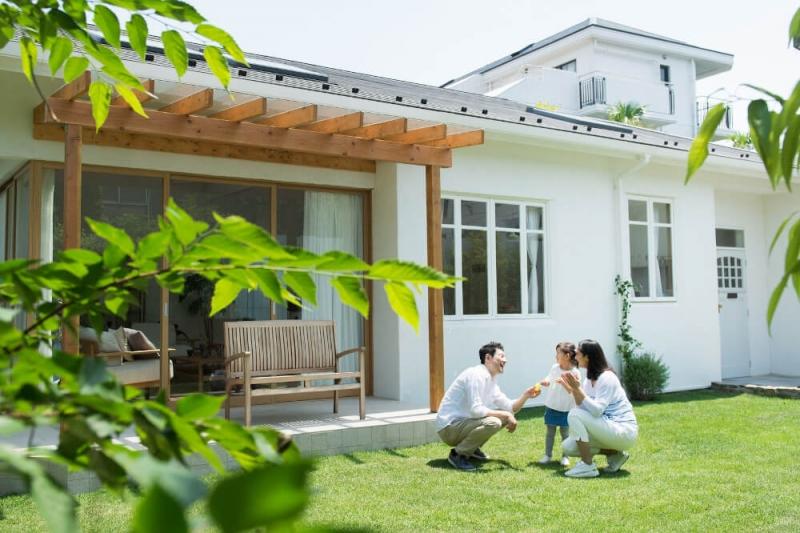 庭のリフォーム費用相場はいくら?コンクリート工事や雑草対策の施工例を紹介