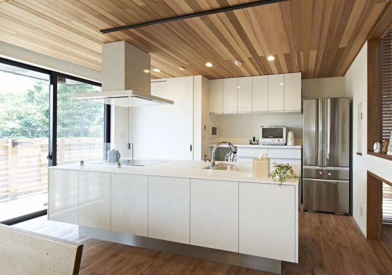 キッチン・台所のリフォーム費用の相場はどのくらい?工事費の内訳や安く抑えるコツも紹介