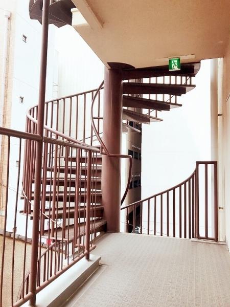 中ノ島ロイヤルハイツ_らせん階段