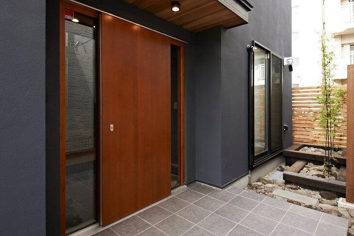 玄関ドア 20万~30万円