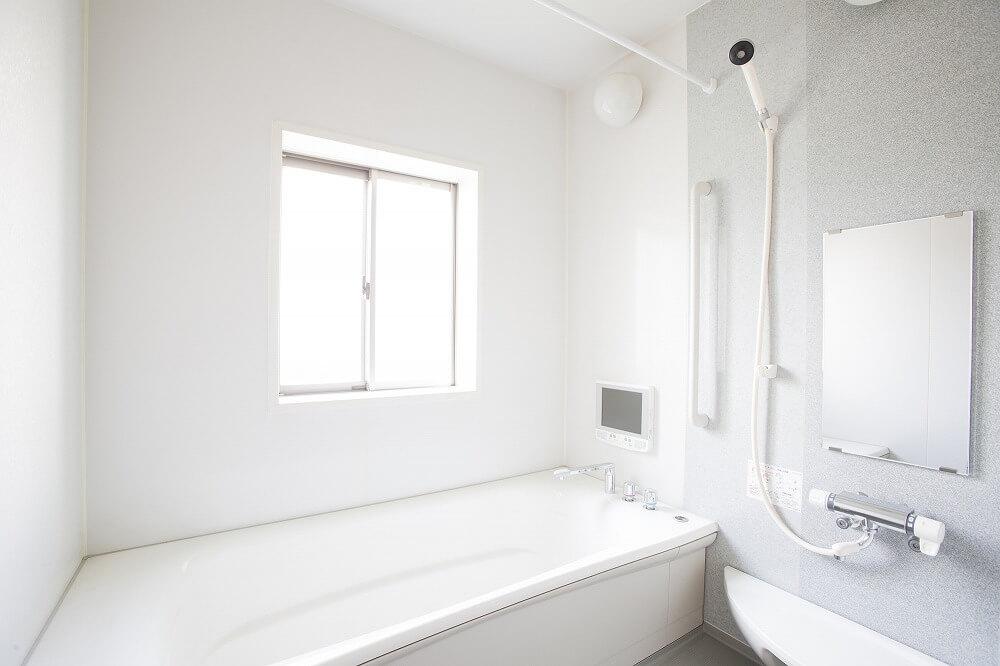 浴室乾燥機は後付けできる? 交換のタイミングや取り付け費用、注意点を解説