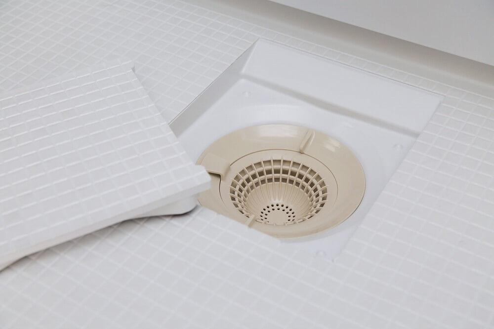 【お風呂の排水口】つまりを解消、汚れを綺麗に掃除する方法を紹介