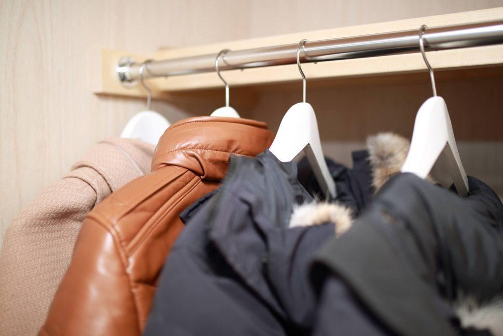 衣替えはクローゼットの衣類を整理する絶好のタイミング。収納のコツ・おすすめアイテムを徹底紹介