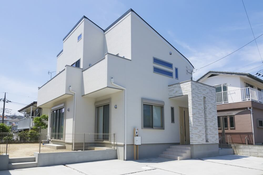 リースバックとは? リバーズモーゲージと何が違う? 不動産を売却しても自宅に住み続けられる仕組みと注意点
