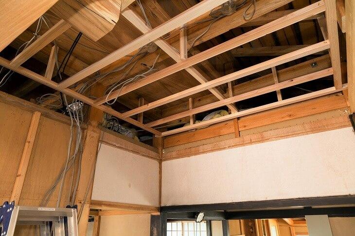 屋根裏リフォームにおける「基礎工事」は必須。そこに利便性と快適性を向上させるための「オプション工事」を追加することでより理想的な空間に仕上げる
