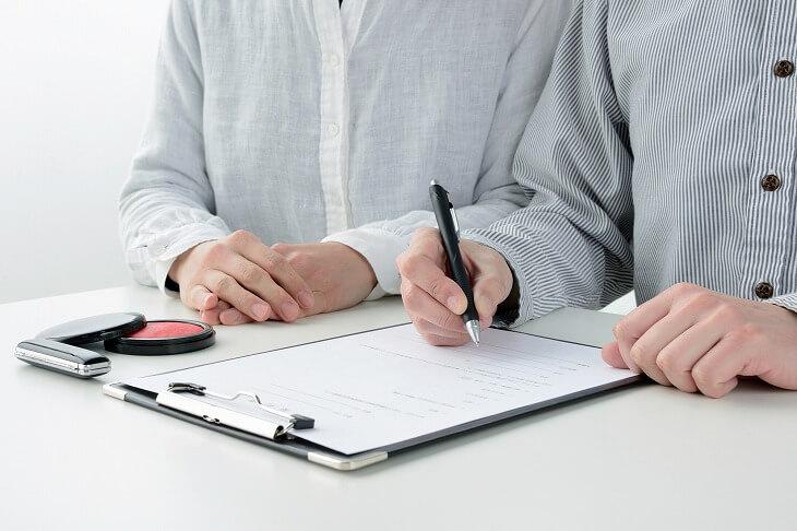 契約書の手付金に関する項目を確認して、トラブルを防ごう