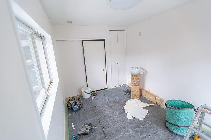 お部屋の構造によっては工事内容や費用も大きく変わる。また、マンションで防音リフォームをするときは管理規約をあらかじめチェックすることも必要