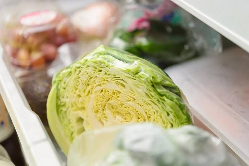 【場所別】冷蔵庫を広々使える収納術|簡単なのにおしゃれに見えるコツとは?