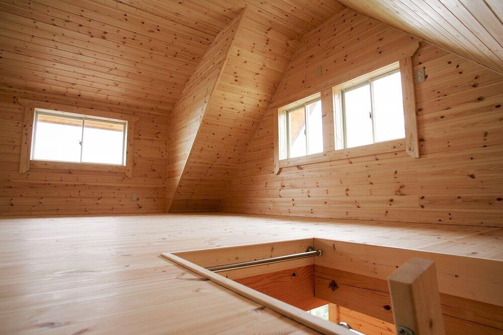 屋根裏をリフォームして、収納スペースや部屋にする方法。その費用とは?