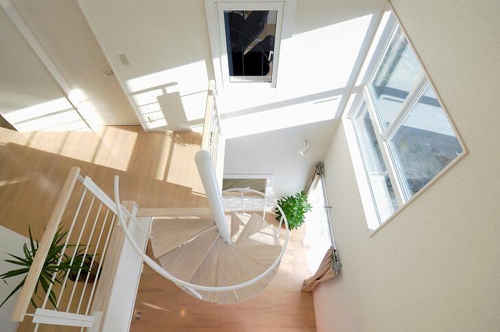 ヨーロッパでは古くから多用されており、近代建築ではインテリアデザインとして採用されることも多い