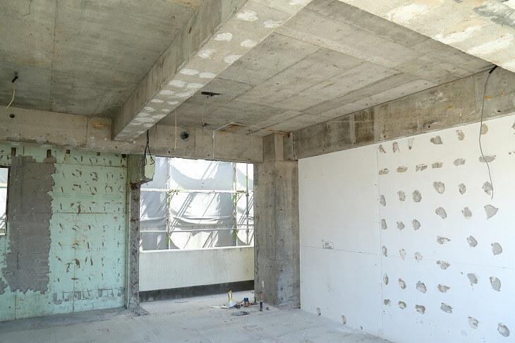 思い切ったスケルトンリフォームでコンクリートが露出した部分を残せば本格的なブルックリンスタイルにできる