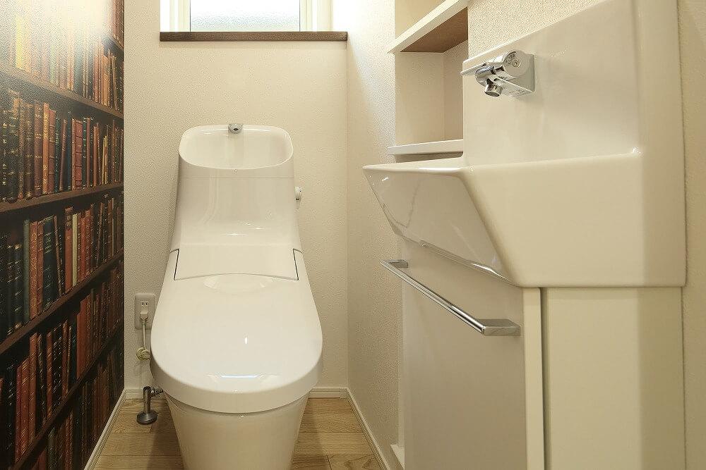 トイレのインテリアに合わせた生理用品のおしゃれな収納アイデア、おすすめアイテムを紹介