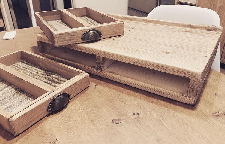 木箱をリメイクして作った引き出し収納