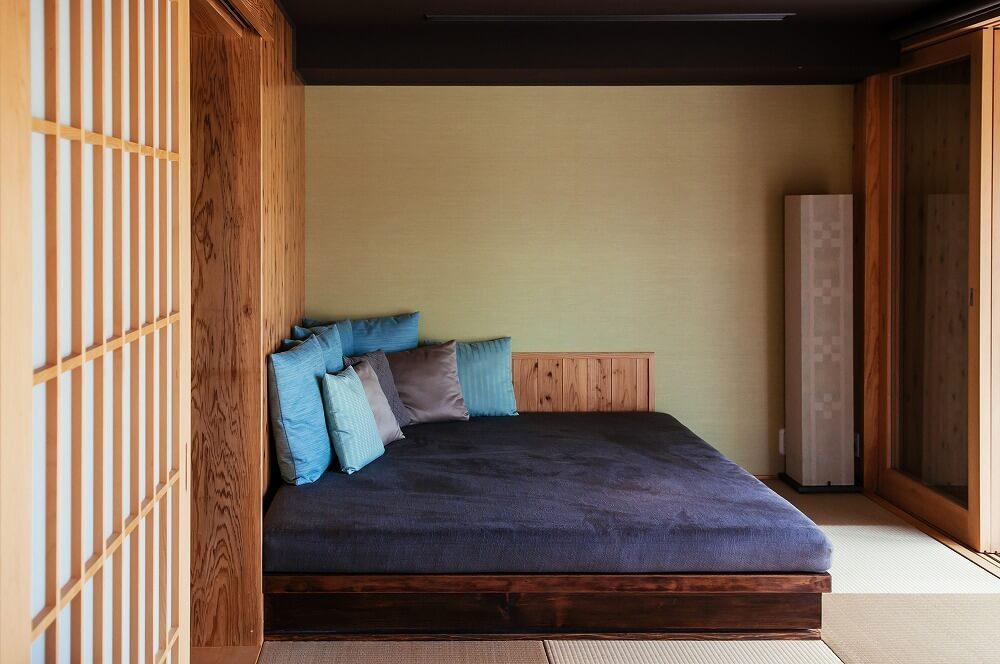 和室をおしゃれな寝室に変身させるポイントは?ベッドの選び方、コーディネートの実例を紹介