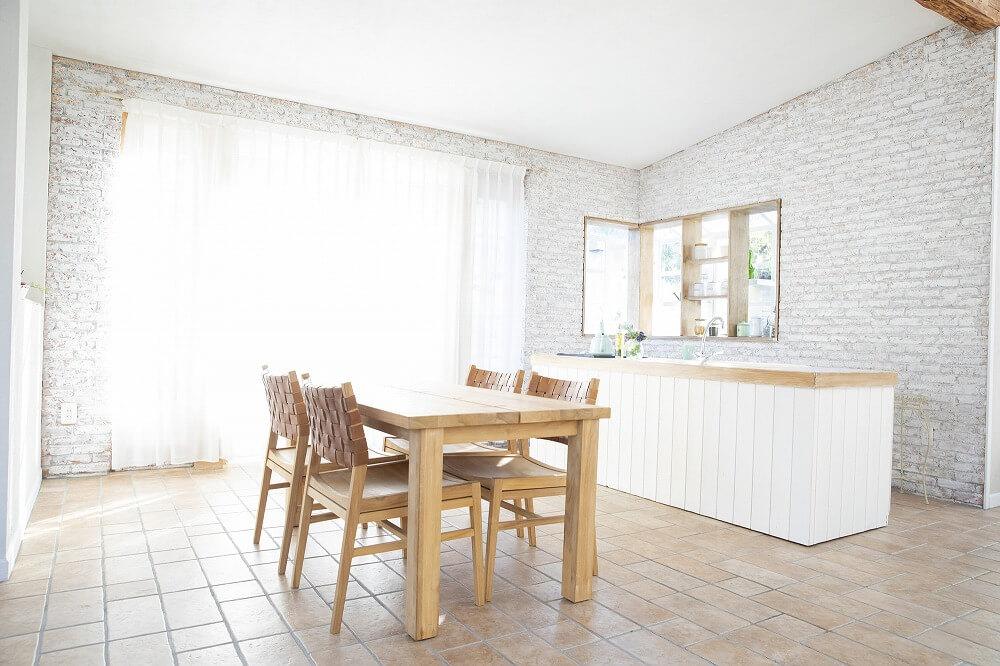 床のタイルは素材・デザインで選ぶ。リビング・キッチン・トイレ・浴室に適したタイルを解説