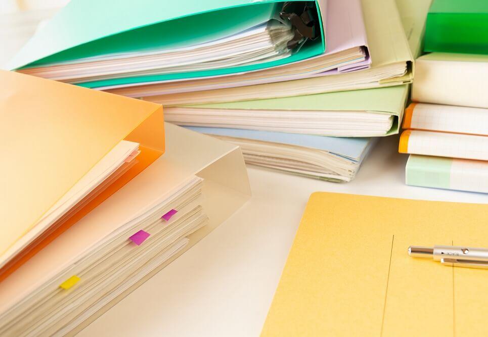 散らかりがちな書類をどのように整理するか?収納アイデアとコツを紹介