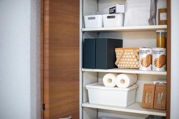 ストックの収納方法|消耗品、日用品をすっきり見せるアイデア