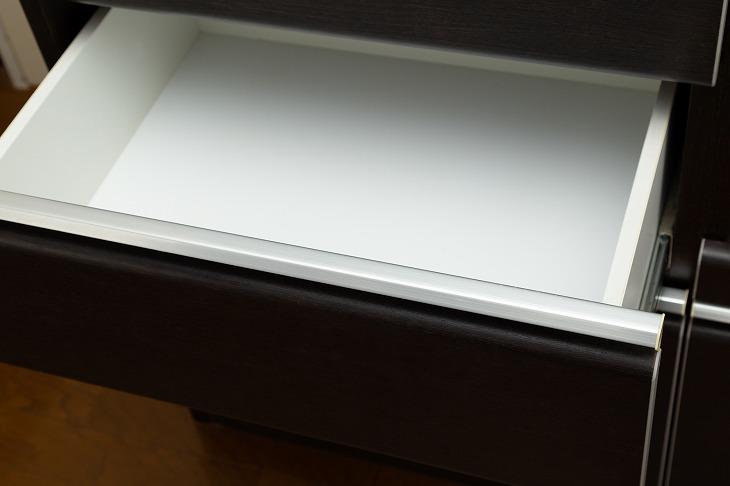 引き出しの収納アイデア。キッチンやデスク、洗面台の小物をおしゃれに整理する収納術