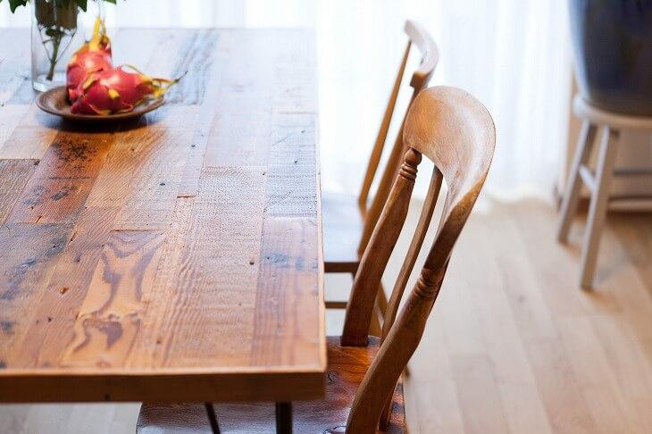 無垢の木材など素材にこだわれるのも魅力