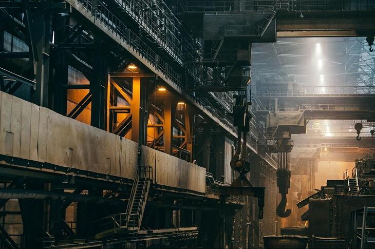 インダストリアルという言葉には、工場や工業、産業という意味がある