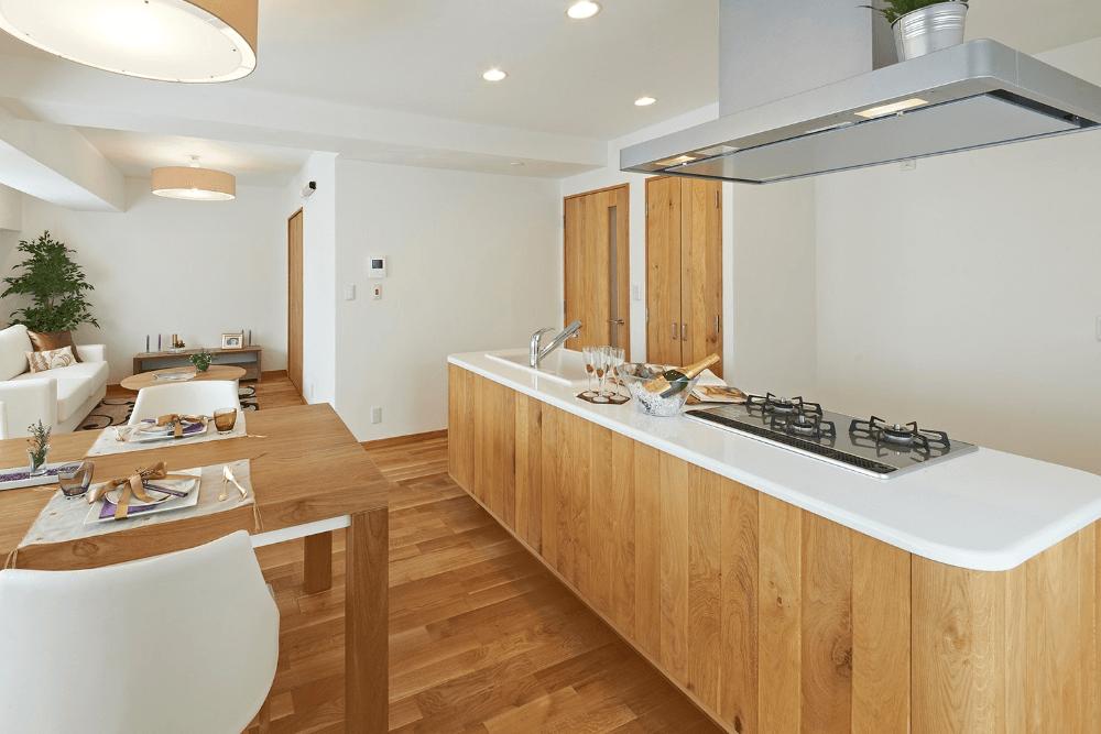 キッチンリノベーションのおしゃれなレイアウトとは?費用相場や施工事例を紹介