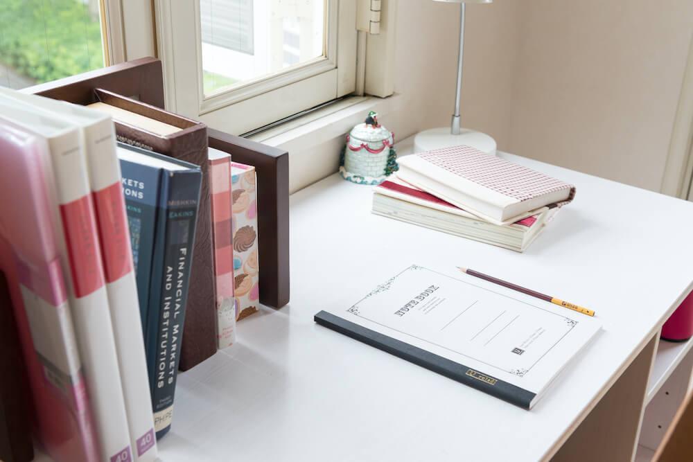 子ども部屋の収納方法。小学生でもできる整理整頓のコツやおすすめ収納アイテムを紹介
