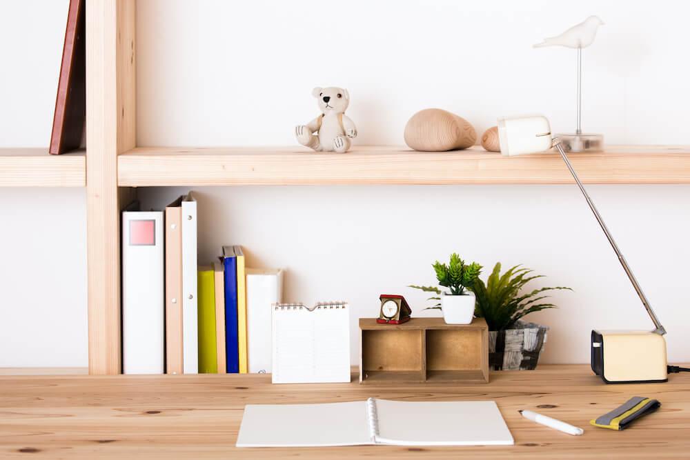 勉強机の便利でおしゃれな収納方法。子供部屋の整理整頓のコツ、おすすめ収納アイデアを紹介