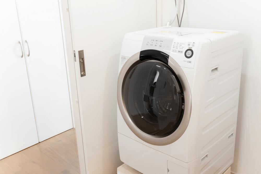 洗濯機横の隙間を生かした収納術。スペースを有効活用するアイデアを紹介