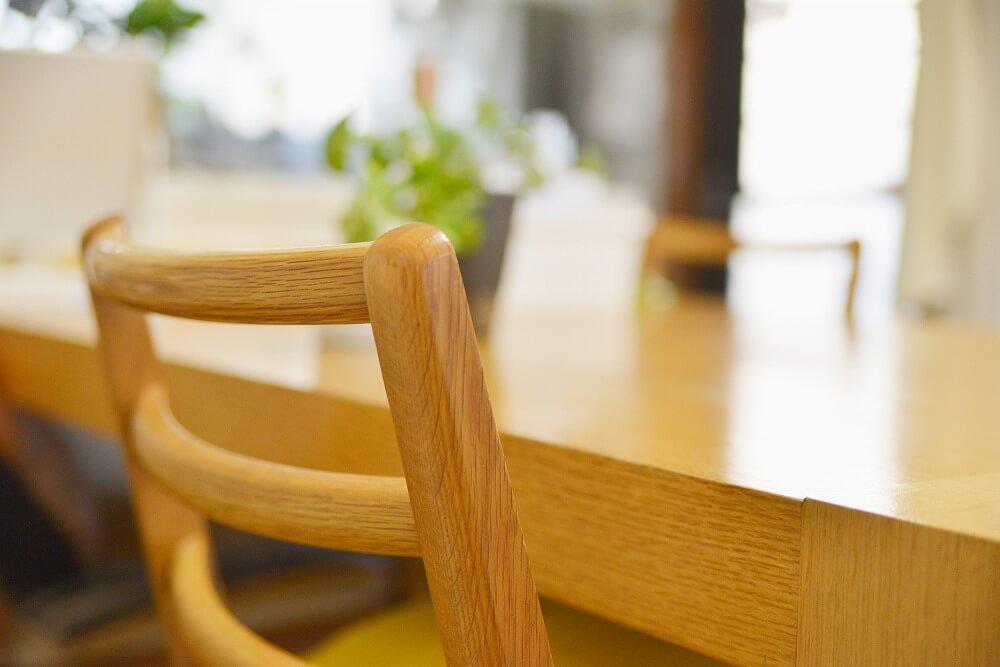 「無垢材テーブル」を生涯愛用|無垢材のメリット&デメリット、簡単にできるオイルメンテナンスを紹介