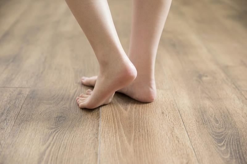 無垢材フローリングに床暖房は必要?導入する際の注意点と対応策