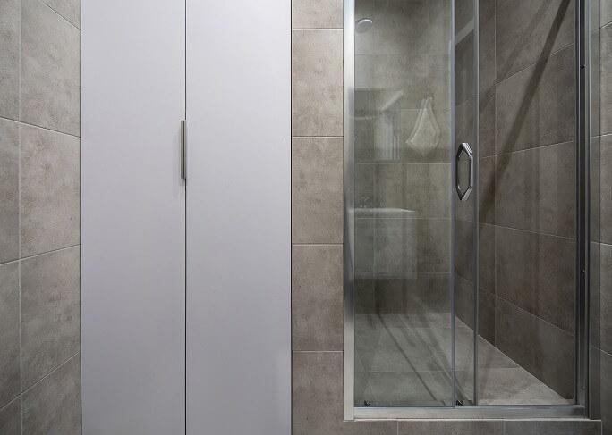 おしゃれなデザインの浴室ドアに変えて違う雰囲気を楽しむ