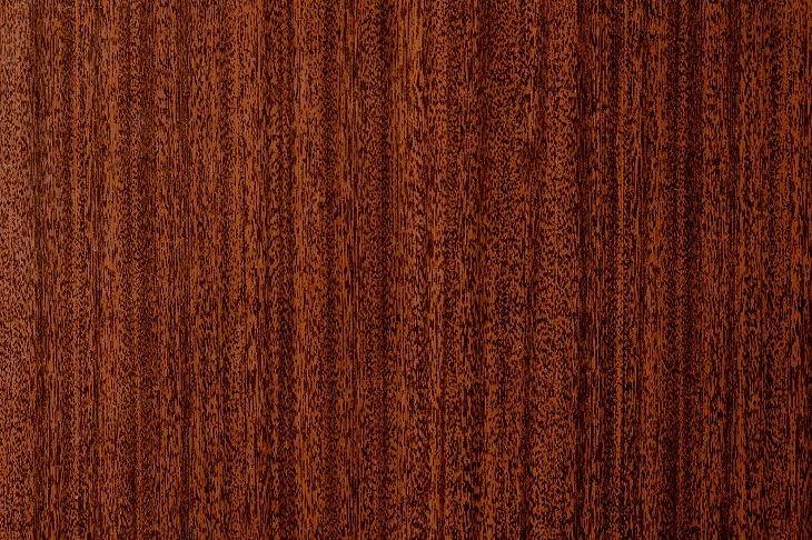 高級木材のブラックチェリーは、経年劣化により光沢も増す。木肌がきめ細かく、肌触りもなめらかで心地よい素材