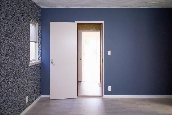 壁・天井・床のリノベーションは比較的手軽にできて、印象が大きく変わる