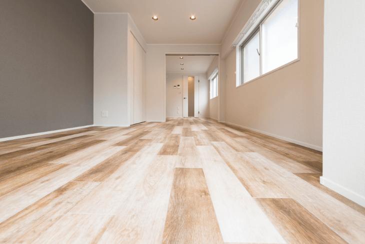 床材を無垢フローリングにすると上質でおしゃれな雰囲気に