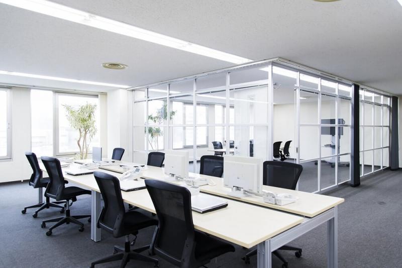 オフィスリノベーションの実情と費用相場。快適な空間で生産性向上の効果も