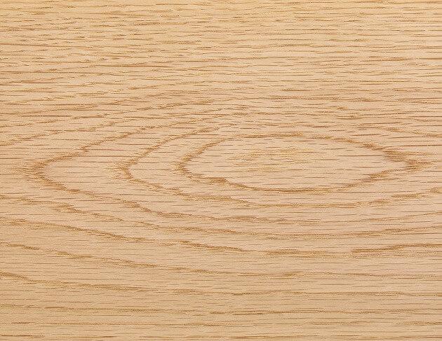 ナチュラルな色合いが、どんな部屋のテイストにも合わせやすいオーク。重さを支えるフローリングに最適