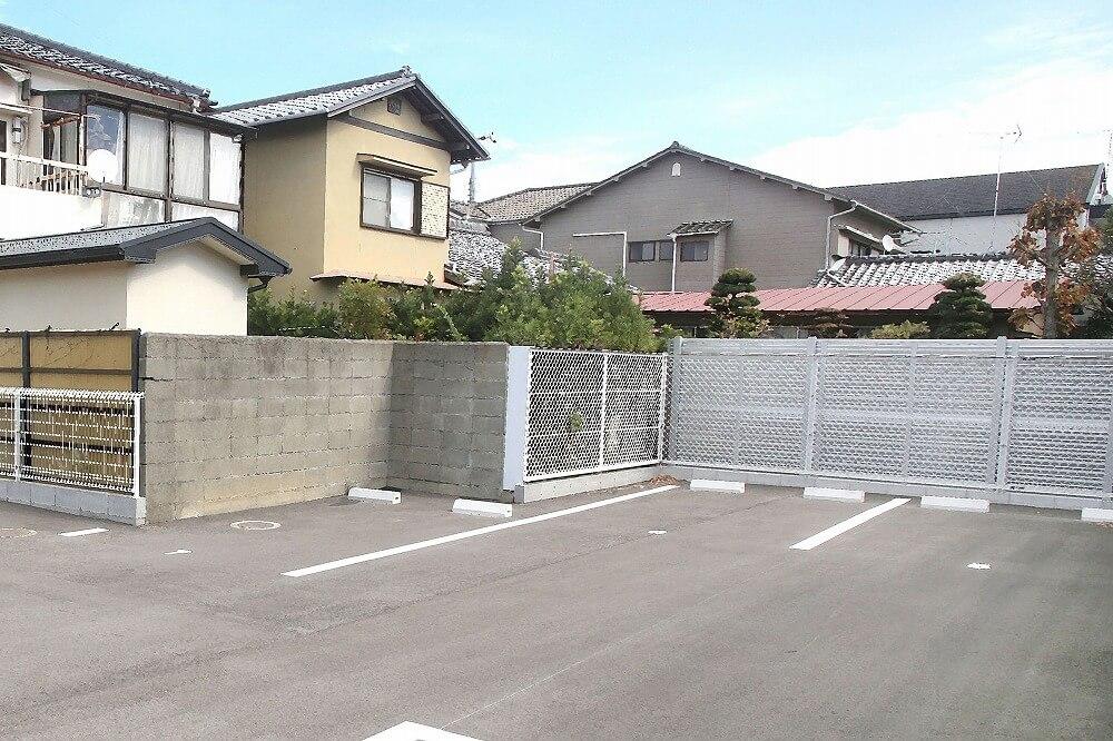 不動産投資の駐車場経営は稼げる?初期費用や注意点、メリット・デメリットを解説