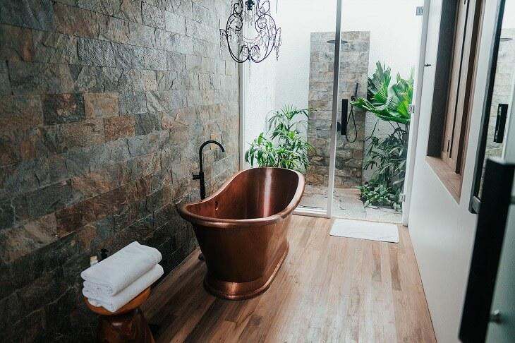 形やカラー、素材のバリエーションが豊富で、自分好みのバスルームにコーディネートできる