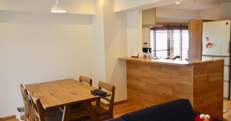 キッチンから見渡せるワイドリビングと快適な書斎にこだわったリノベーションマンション