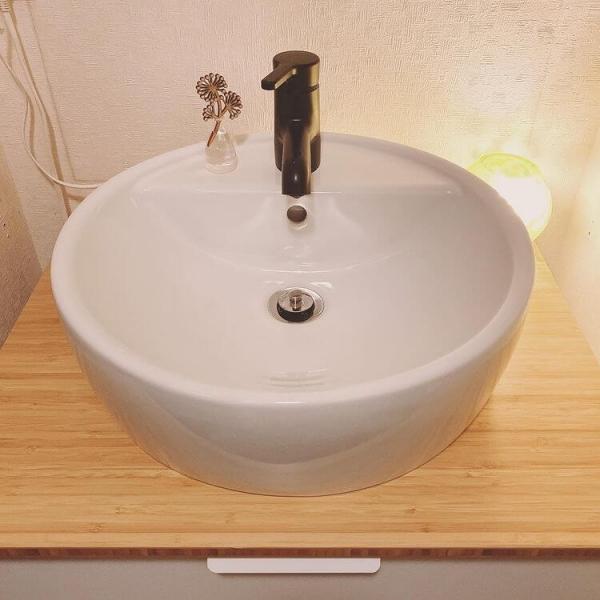 ころんと丸みのある可愛い洗面台