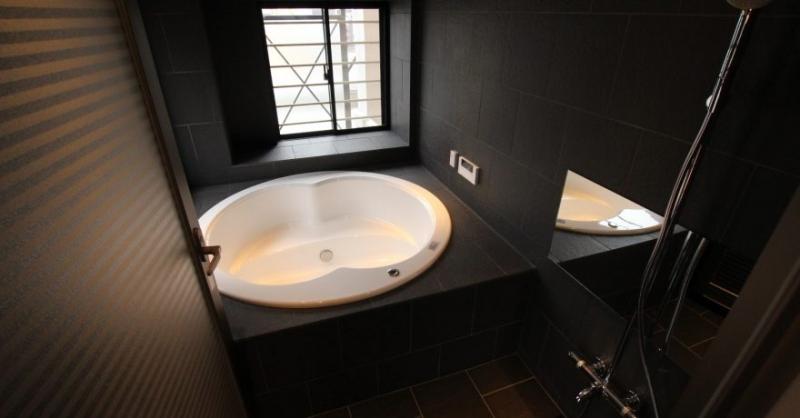 施工事例②高級感溢れる在来浴室