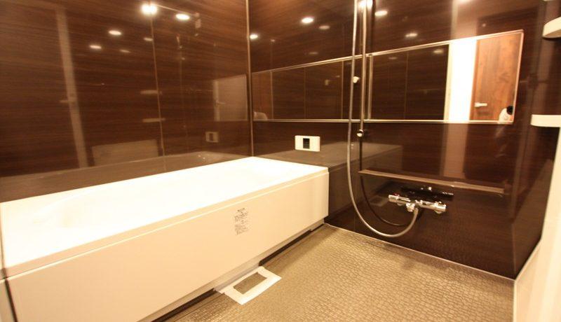 施工事例①子供たちと一緒にお風呂に入れる広めのバスルーム