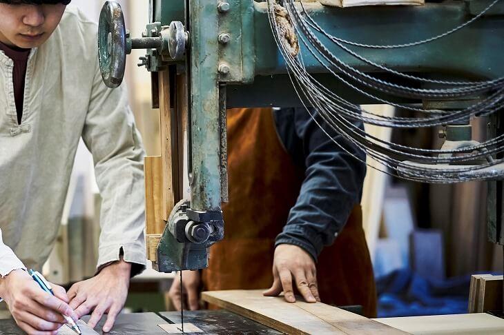 家具工事 工場で作ったものを設置