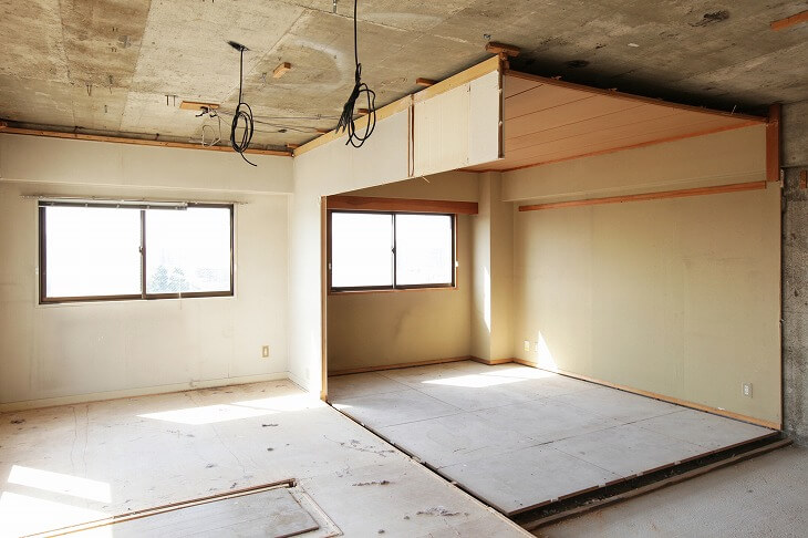 内装を全て解体し、スケルトン状態にするフルリノベーション。木造の場合は費用がかさむ傾向がある