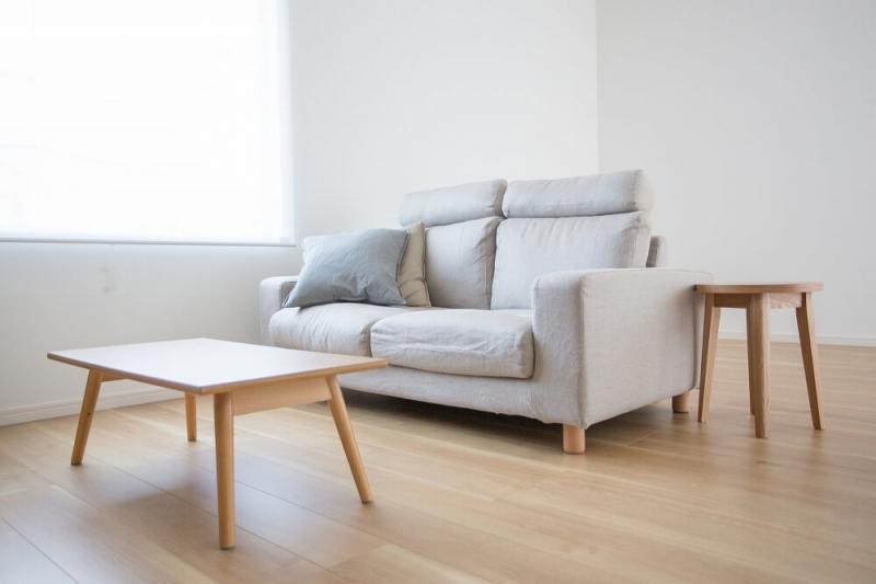「タモ材」を活用したおしゃれなインテリア実例|木材の特徴、オーク・ナラ材との違い、選び方を紹介