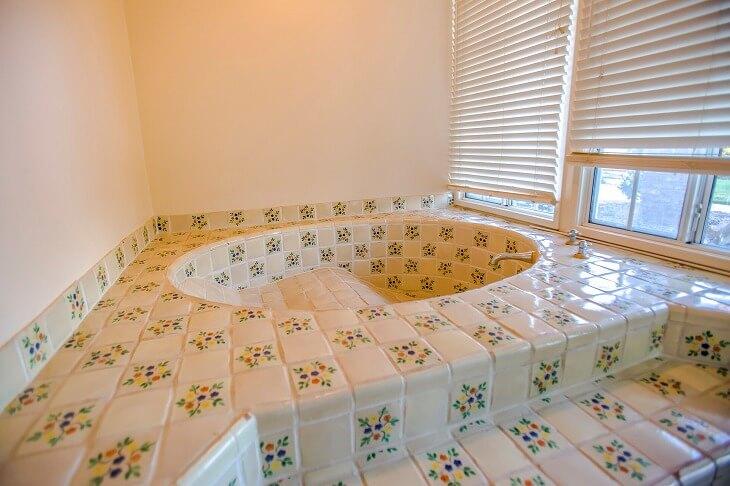 浴室の床材の特徴
