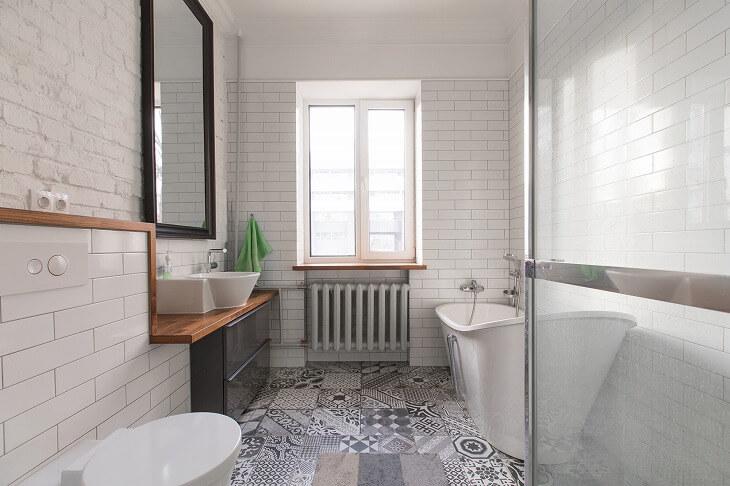 色やサイズ、デザインが豊富な「タイル床材」